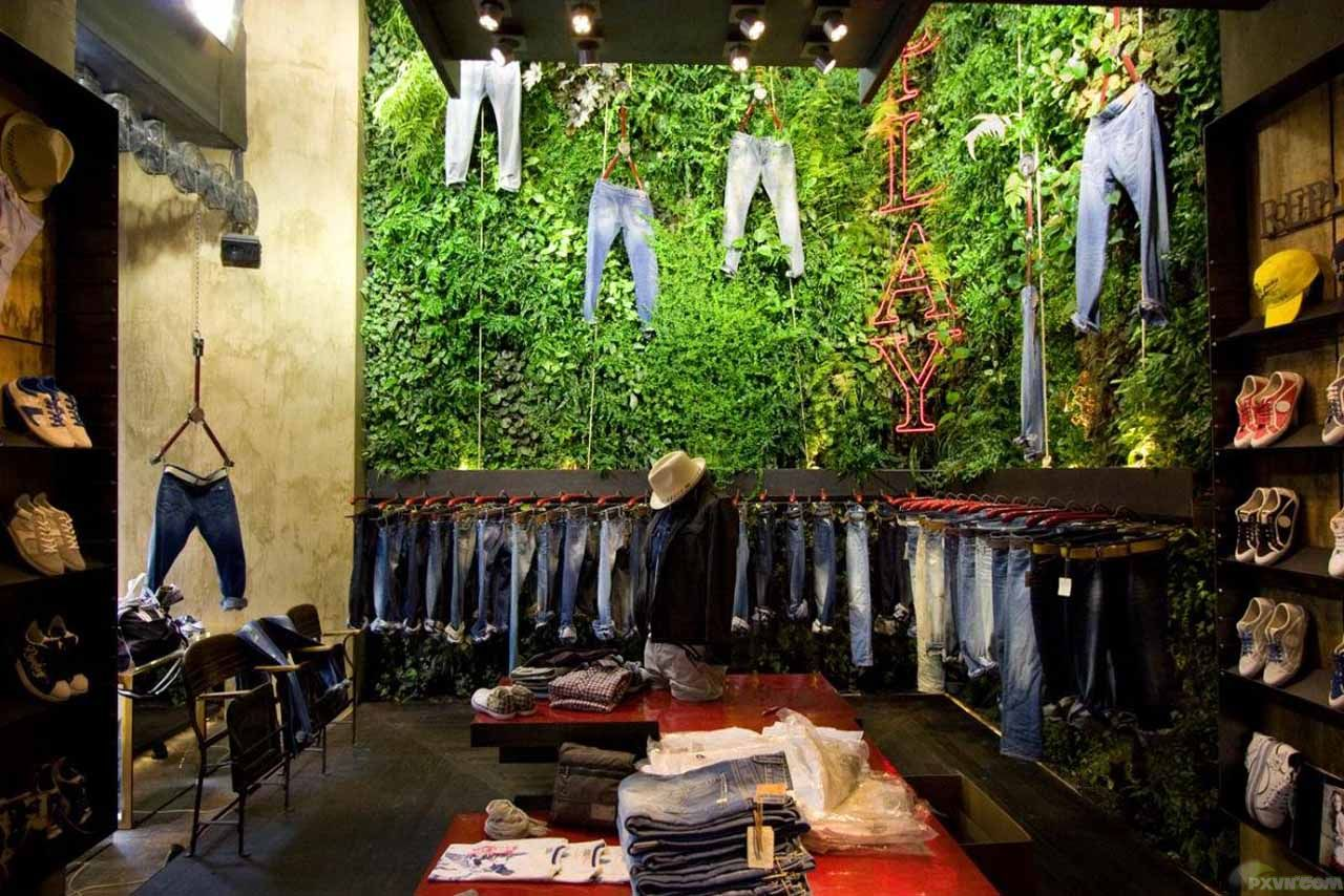 Living walls and vertical gardens living art - Garden decor stores ...