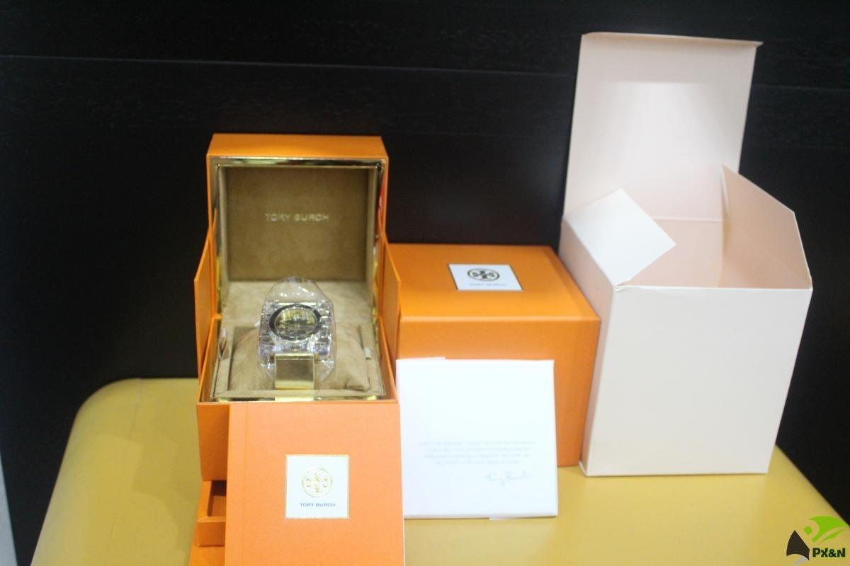 Đồng hồ nữ Tory Burch Gold Mới 100% đầy đủ hộp sách - Xách tay từ Mỹ ( Giá mềm )